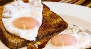 Comer huevo a diario es vinculado a una mayor mortalidad: estudio