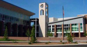 Colegio de Laredo (LCC) cierra sus dos campus por el frío intenso