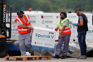 Llegarán a México primer lote de vacuna Sputnik V esta noche