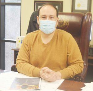 Aprovechan servicios notariales gratuitos