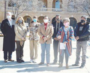 Alistan cheques para residentes de Laredo afectados por la helada