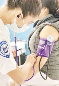 Alistan diplomado para enfermeras