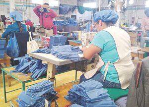 Aislados, 240 empleados de maquiladora en Nuevo Laredo