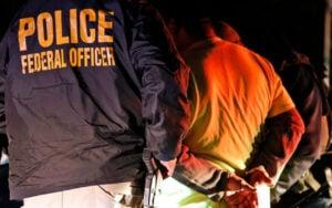 Darán indemnización millonaria a migrantes detenidos ilegalmente
