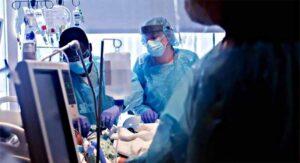 Mujer recibe trasplante de doble pulmón con covid: se contagia y fallece