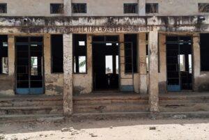 Grupo armado secuestra a más de 300 niñas en Nigeria