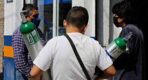 Eliminan aranceles para importar tanques de oxígeno medicinal y vacunas covid