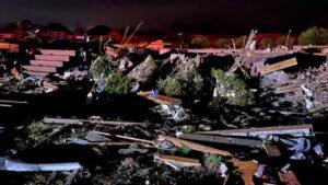 Tornado deja muertos y daños severos en Carolina del Norte (FOTOS)