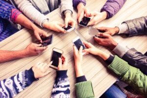 Hay más teléfonos celulares que humanos en el planeta