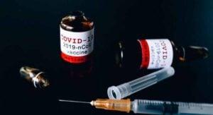 Vacunas covid falsas son detectadas vendiéndose en Nuevo León