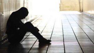 Cómo prevenir el suicidio en menores de edad