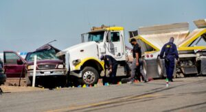 Fallecen 10 mexicanos en accidente automovilístico en California