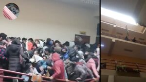 IMPACTANTE VIDEO: Mueren estudiantes al caer del 4 piso en universidad