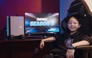 Niño de 8 años firma contrato de más de 600 mil pesos para jugar Fortnite