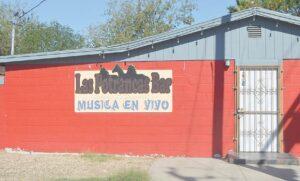Reabren bares en los Laredos